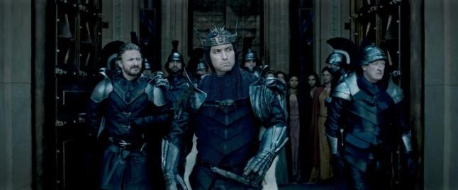 Le Roi Arthur : La légende d'Excalibur critique avec du recul avitique