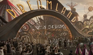 L'attraction du film visible en arrière plan